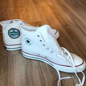 NWOT Chuck Taylor Converse High Top Sneakers
